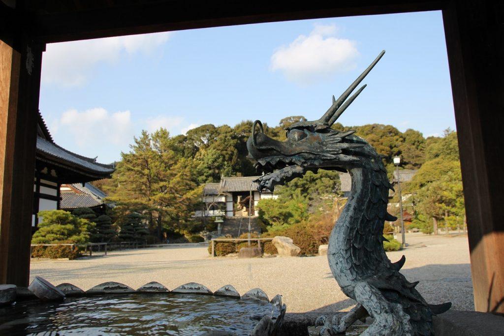 叡福寺手水舎