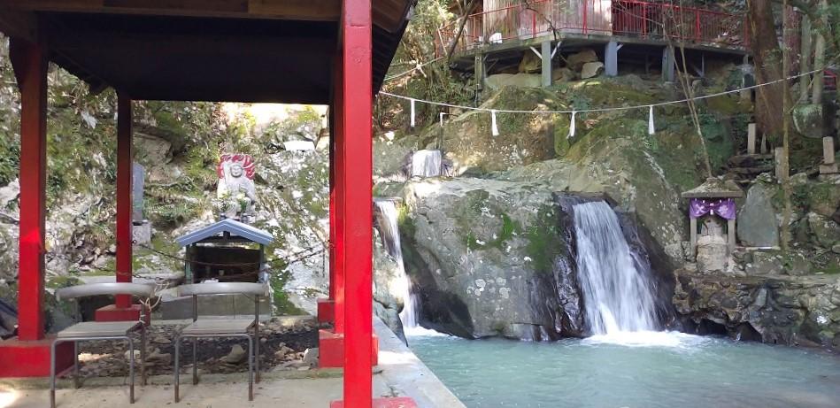 鳴滝不動尊で親しまれる鳴滝山圓明寺(和歌山市)